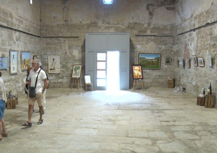 """L'Església Vella de Penelles acull l'exposició """"100% local"""""""