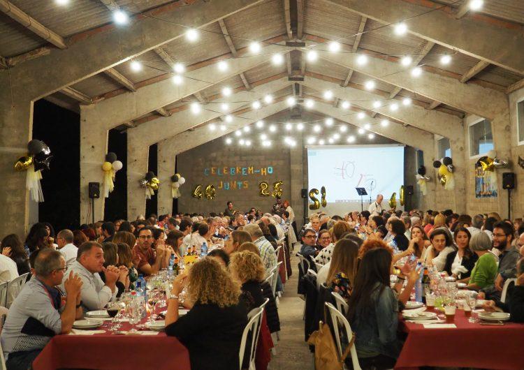 300 persones celebren els 40 anys de l'Associació l'Estel i els 25 del seu Club Esportiu