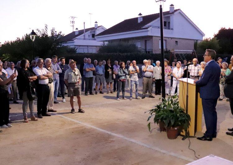 Joan Talarn inaugura la remodelació del passeig i la plaça de la Urbanització Antoni Gaudí de Bellcaire d'Urgell