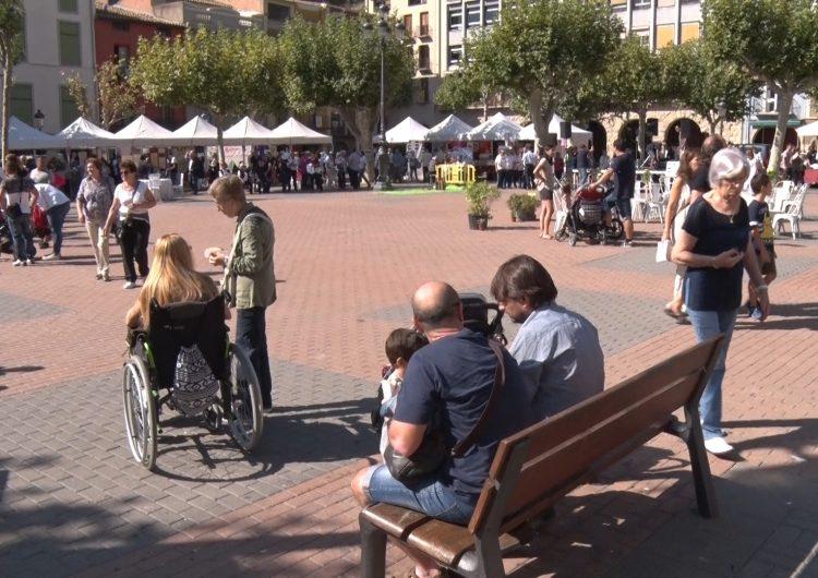 La Plaça Mercadal acull la 19a Fira d'Entitats