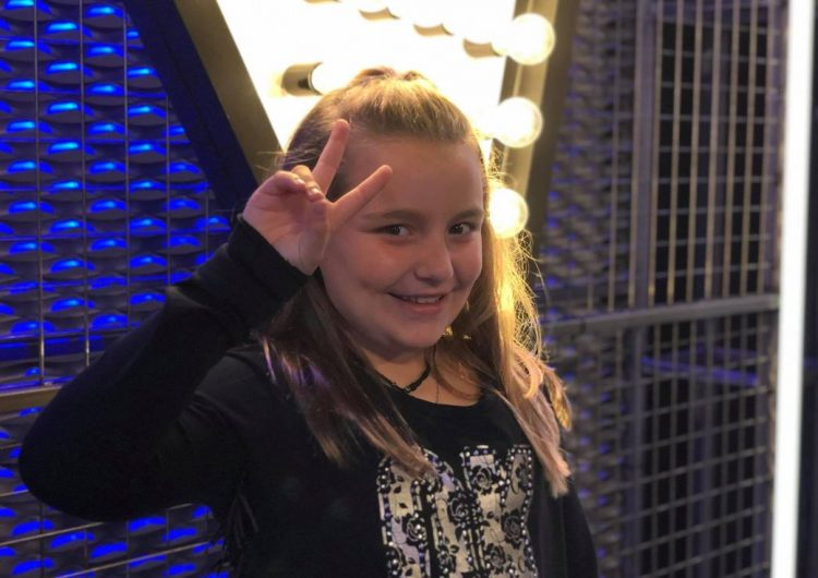 "La balaguerina Miss Maria Sweety a ""La Voz Kids"""