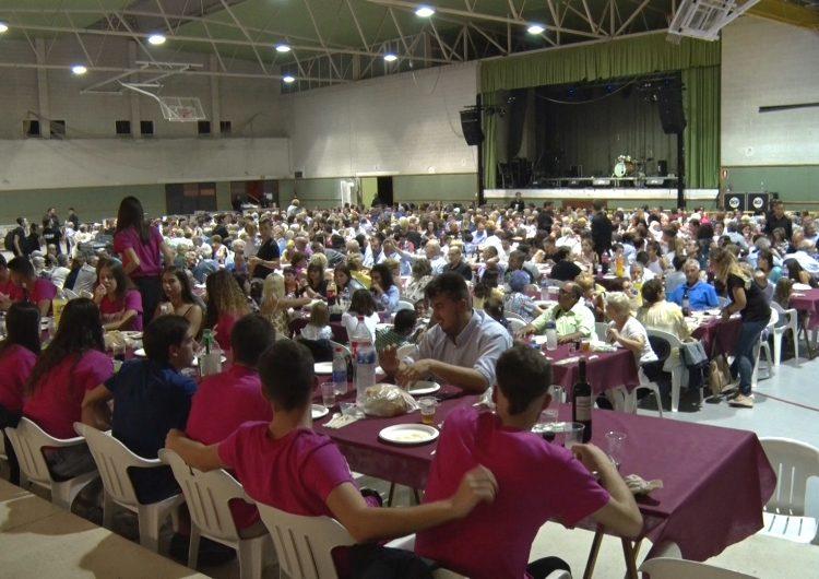 Térmens celebra la seva Festa Major amb un gran sopar de germanor, el pregó de festes i l'espectacle de Joan Pera