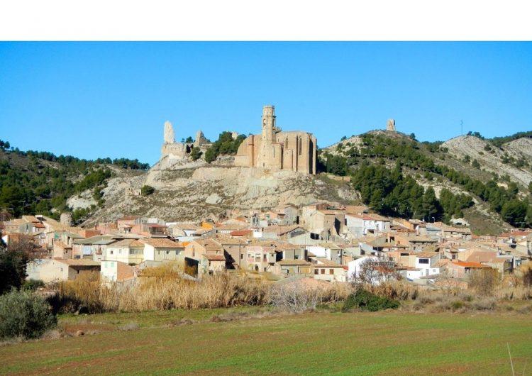 Castelló de Farfanya tanca l'accés a la plaça Major per obres