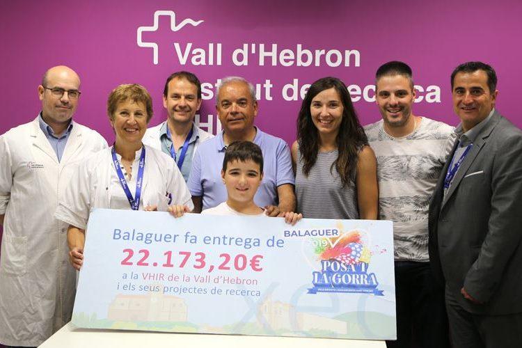 Posa't la Gorra! de Balaguer lliura més de 22.000€ per a la recerca en càncer pediàtric al VHIR