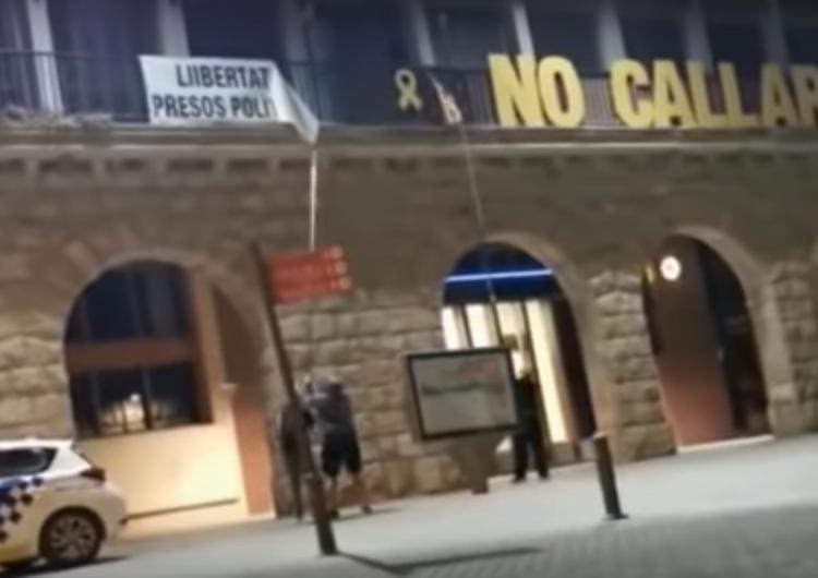 Així van retirar la simbologia independentista de Balaguer