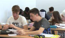 Confusió als instituts de Balaguer el primer dia de vaga…