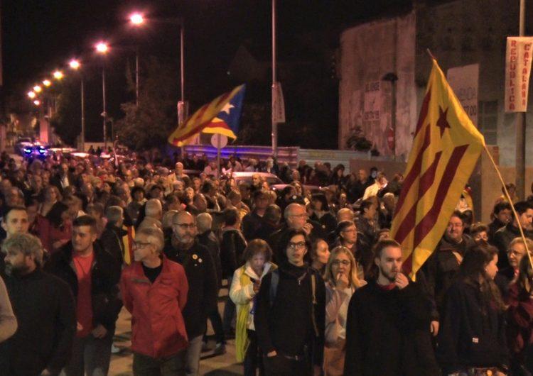Prop de 500 persones es concentren a Balaguer en suport a les persones represaliades