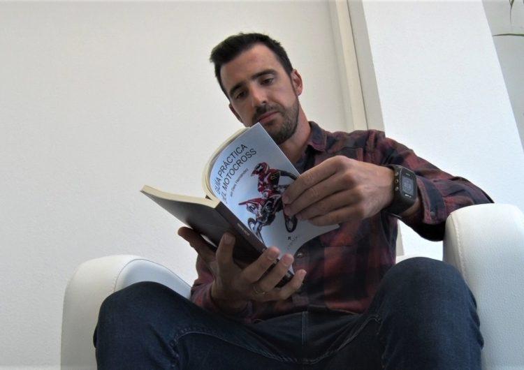 L'expilot professional de motocròs Dani Hernández presenta el seu primer llibre 'Guía práctica del Motocross'