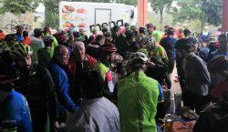 Més de 350 ciclistes desafien la pluja en la 22a…