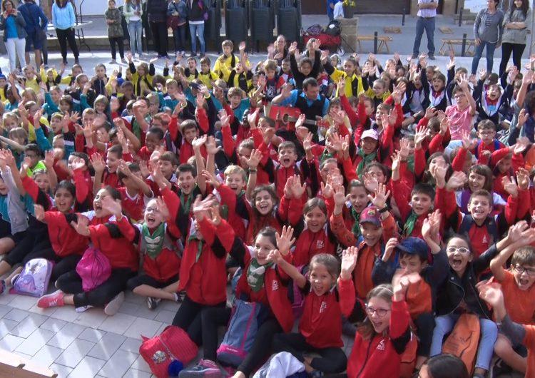 Montgai Màgic dona el tret de sortida amb màgia per escolars