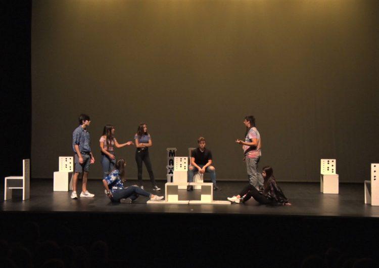 Més de 500 alumnes gaudeixen de l'obra 'Max in love' sobre educació afectiva i sexual