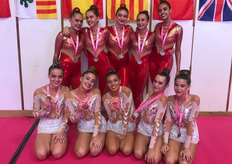 Plata i bronze dels equips júnior del Club Gimnàstica Rítmica Balaguer a Figueres