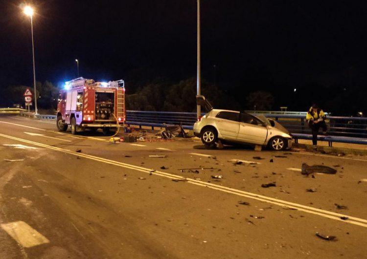 Mor un conductor de 30 anys en un xoc frontal entre un cotxe i un camió a la C-26 a Balaguer