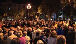 Prop d'un miler de persones es manifesten a Balaguer en…
