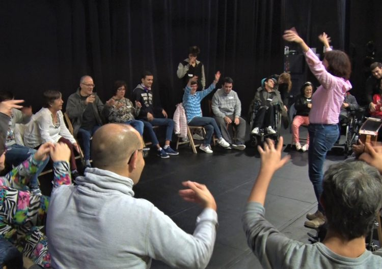 Taller de musicoteràpia 'Un matí d'orquestra' a Balaguer en el marc de la 5a Setmana Apropa Cultura
