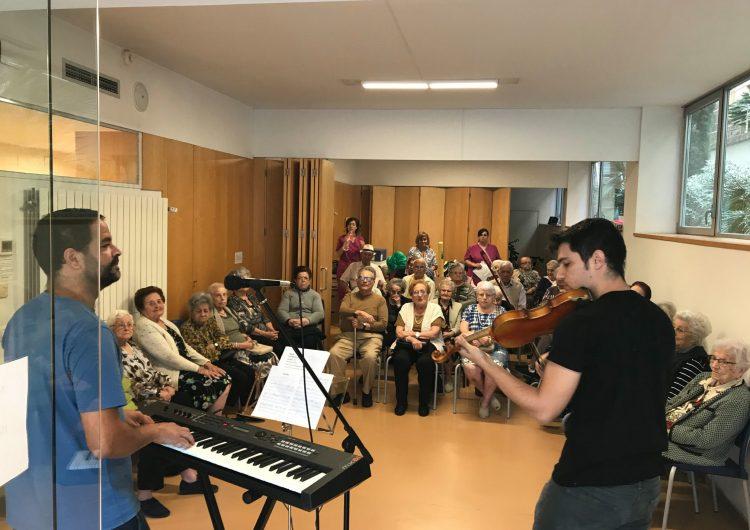 L'Escola Municipal de Música de Balaguer inicia un projecte musical amb la gent gran de la ciutat