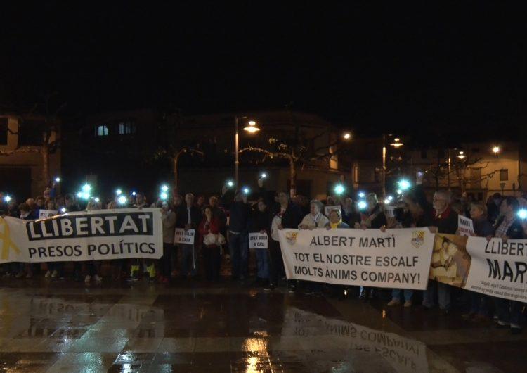 Térmens es concentra en suport al seu veí detingut Albert Martí