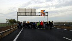Tallades l'AP-7 a la Jonquera, l'AP-2 i l'A2 a Lleida,…