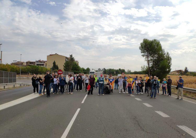 Tallen la variant de la c-26 a Balaguer en protesta contra la sentència del Suprem