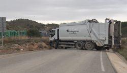 El treballadors del servei de recollida d'escombraries comencen una vaga…