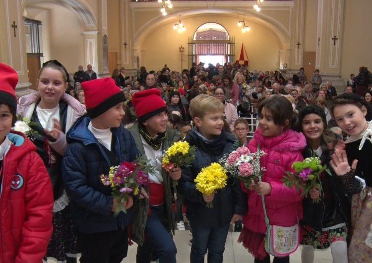 Balaguer dona el tret de sortida a les Festes del Sant Crist amb l'ofrena floral