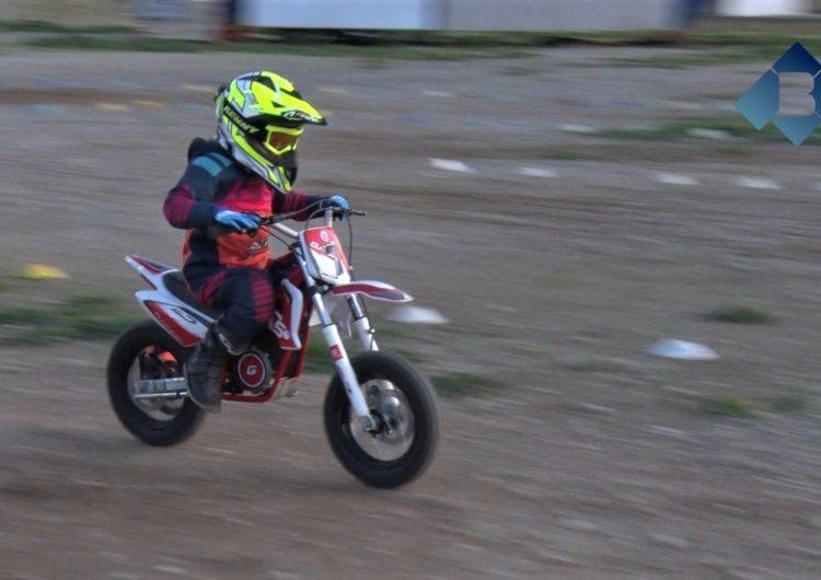 Oriol Vich, campió de Catalunya de velocitat i motocròs amb només 5 anys