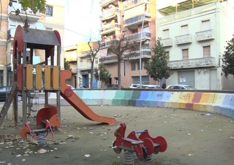 Balaguer renovarà el parc infantil dels blocs de La Caixa