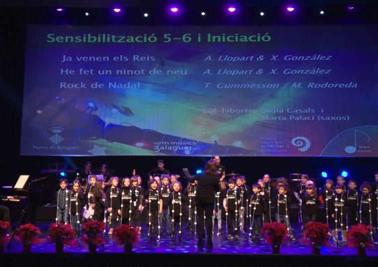 """L'Escola Municipal de Música celebra el tradicional concert de Nadal i presenta el videoclip de """"Som música"""""""