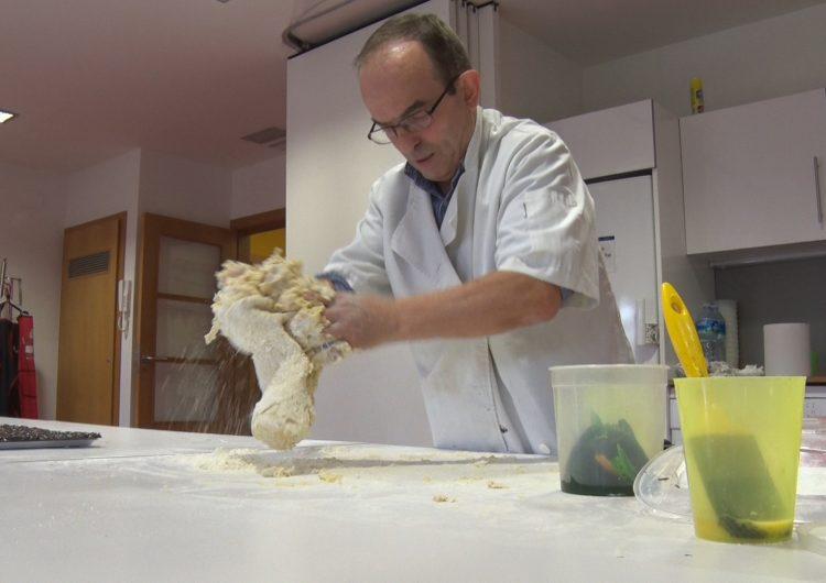 Tradicions gastronòmiques nadalenques amb el mestre pastisser Pepe Daza a Càritas Balaguer