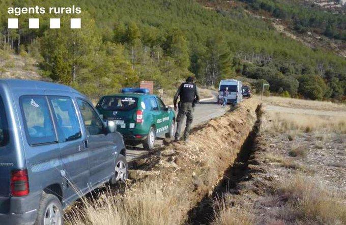 Els Agents Rurals denuncien un vehicle per circular camp a través a la Serra del Montsec