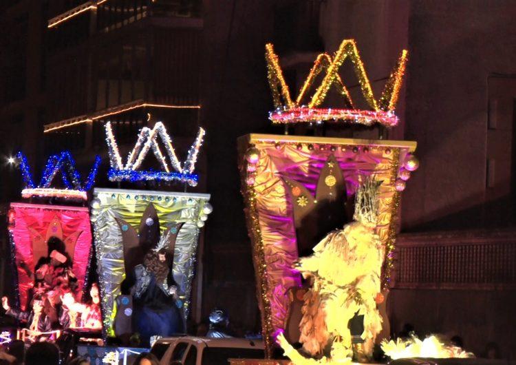 Els Reis Mags d'Orient arriben a Balaguer estrenant ubicació