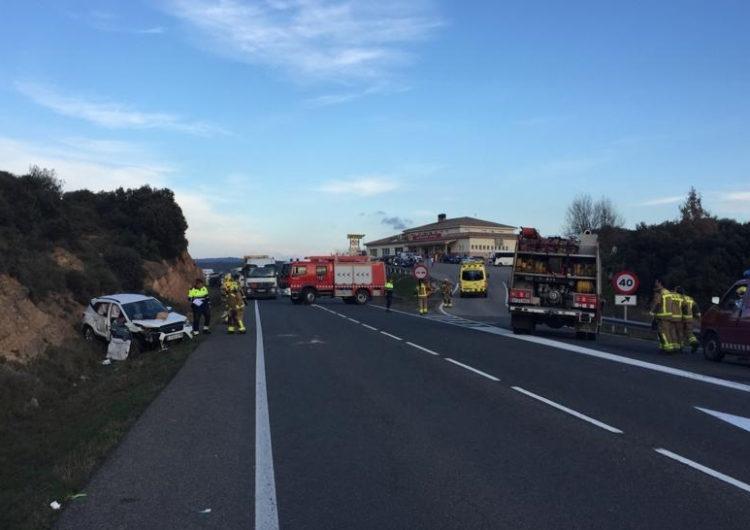 Una dona morta i quatre ferits greus a causa d'un accident a Vilanova de l'Aguda