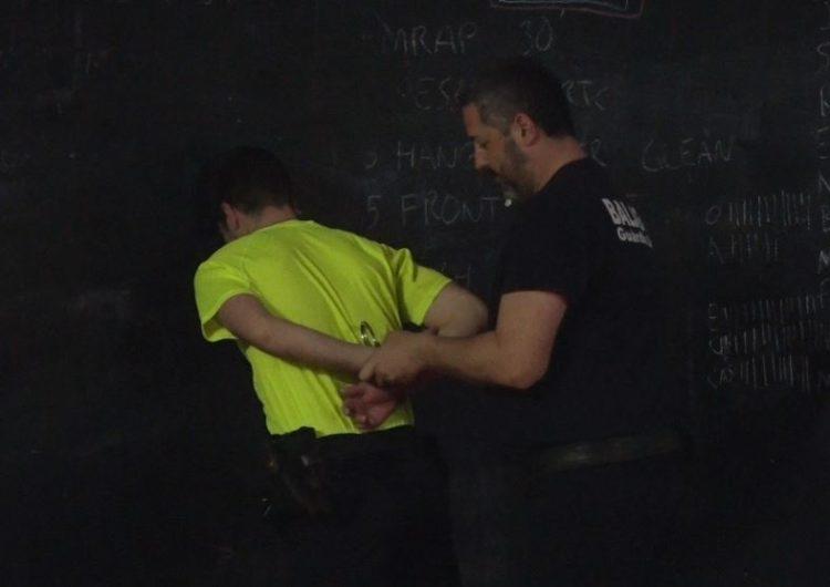 El cos de la Guàrdia Urbana de Balaguer realitza un curs de defensa, control i arrest