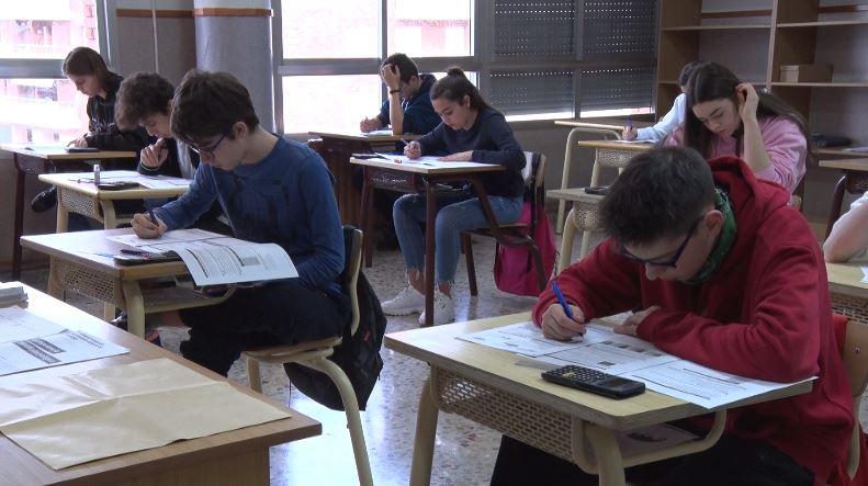 79.000 alumnes de 4t d'ESO d'arreu de Catalunya han realitzat les proves de competències bàsiques