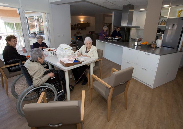 El Govern treballa perquè els familiars es puguin endur temporalment gent gran de residències sense perdre la plaça