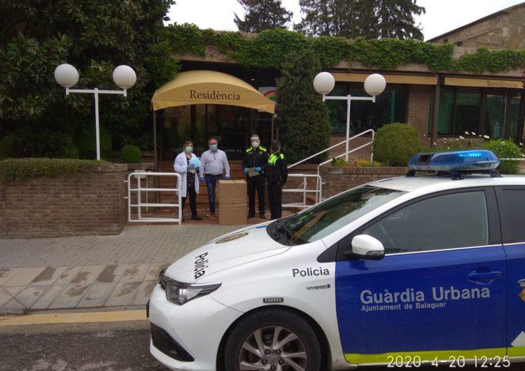 La Guàrdia Urbana Balaguer lliura 5.900 mascaretes a les residències de Balaguer