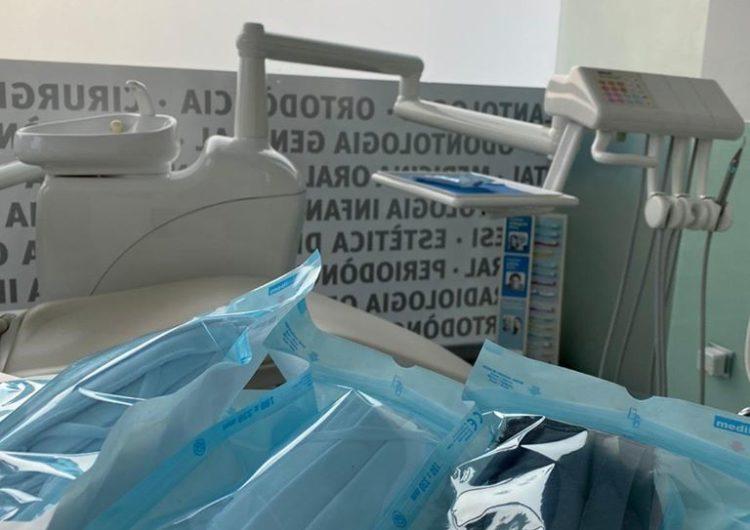 La Clínica Dental Balaguer dona material de protecció i esterilitza mascaretes fetes per voluntaris