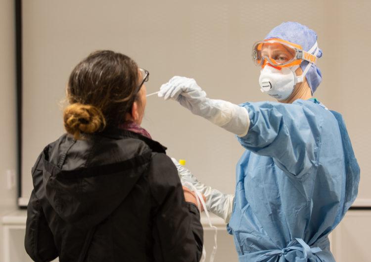 El Banc de Sang busca donants de plasma que hagin superat la covid-19 per tractar pacients