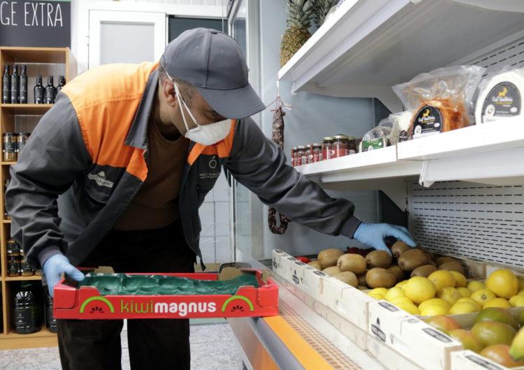 El servei a domicili i el canvi d'hàbits de compra als pobles petits augmenta les vendes de les botigues de proximitat