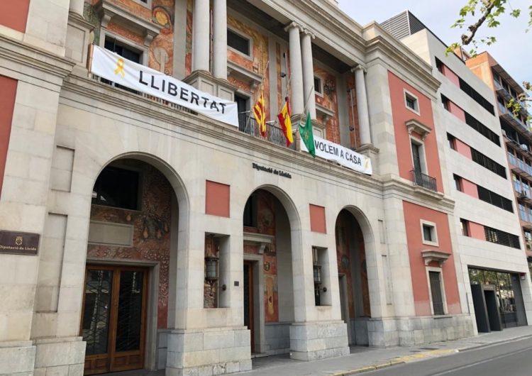 Les banderes de la Diputació de Lleida onegen a mitja asta per les víctimes del coronavirus