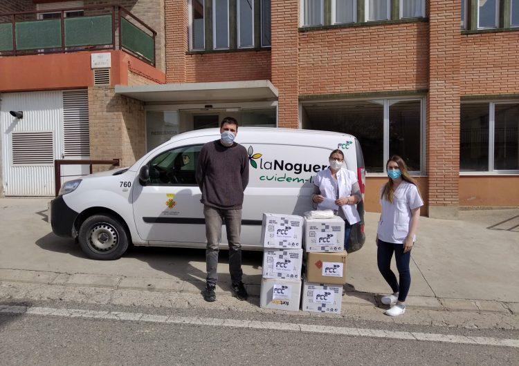 L'empresa concessionària del servei de recollida de residus de la Noguera dona material de protecció a centres residencials de la comarca