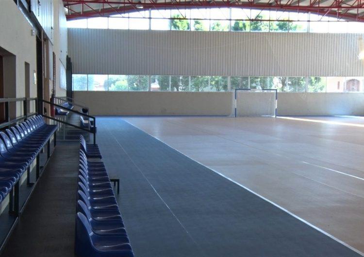 El pavelló esportiu municipal de La Sentiu de Sió llueix nou paviment