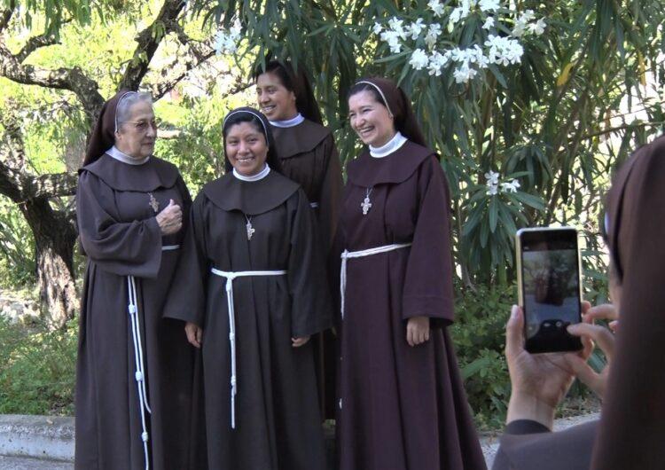 Les monges clarisses del Sant Crist de Balaguer es fan instagramers