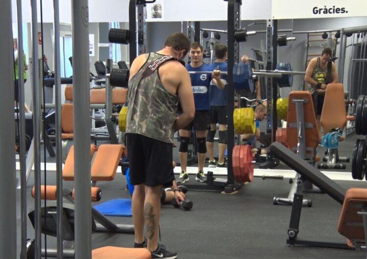 Els gimnasos i centres esportius reobren les seves portes