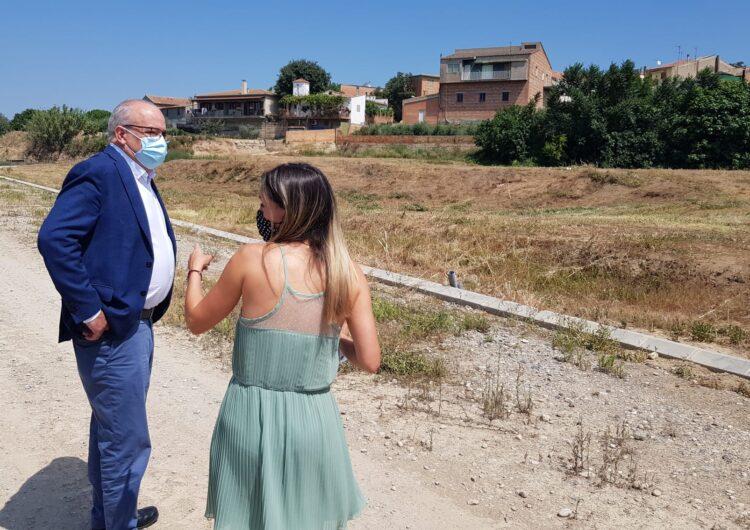 El conseller d'Educació visita els terrenys on es farà la construcció de l'escola l'Àlber d'Albesa