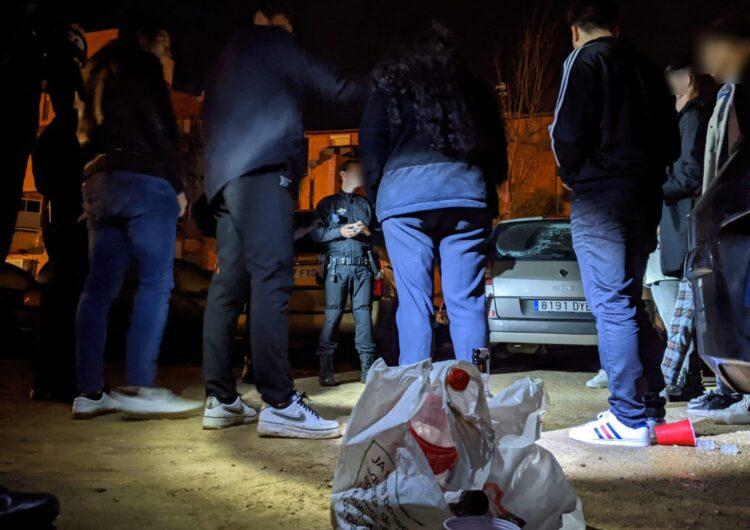 Salut estudia mesures per evitar que grups es reuneixin al carrer durant la nit