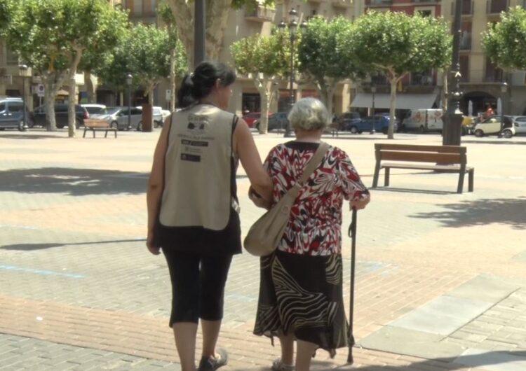 """Balaguer reprèn el programa d'acompanyament a la gent gran """"De la mà"""" després del confinament"""