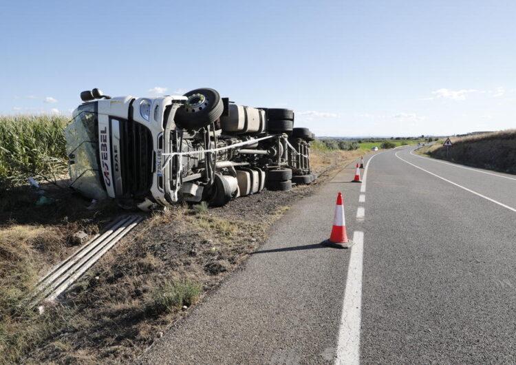 Ferit un conductor al bolcar amb el camió a la C-12 a Menàrguens