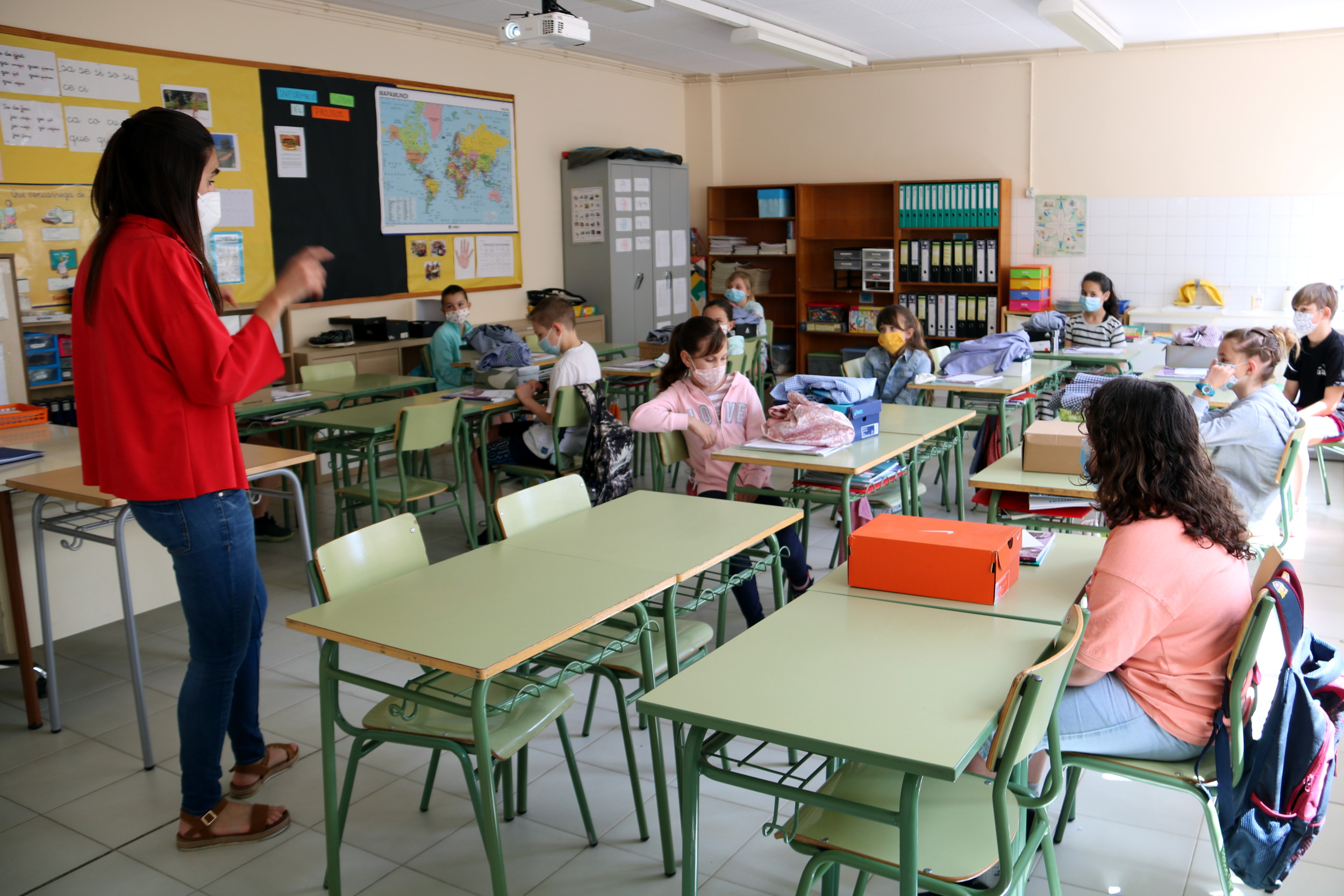 La Covid marca la tornada a l'escola: grups estables, mascareta a partir dels 6 anys i entrada per torns