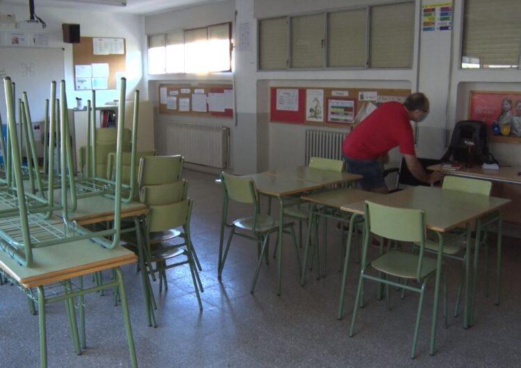 El personal docent torna a les aules després de mig any